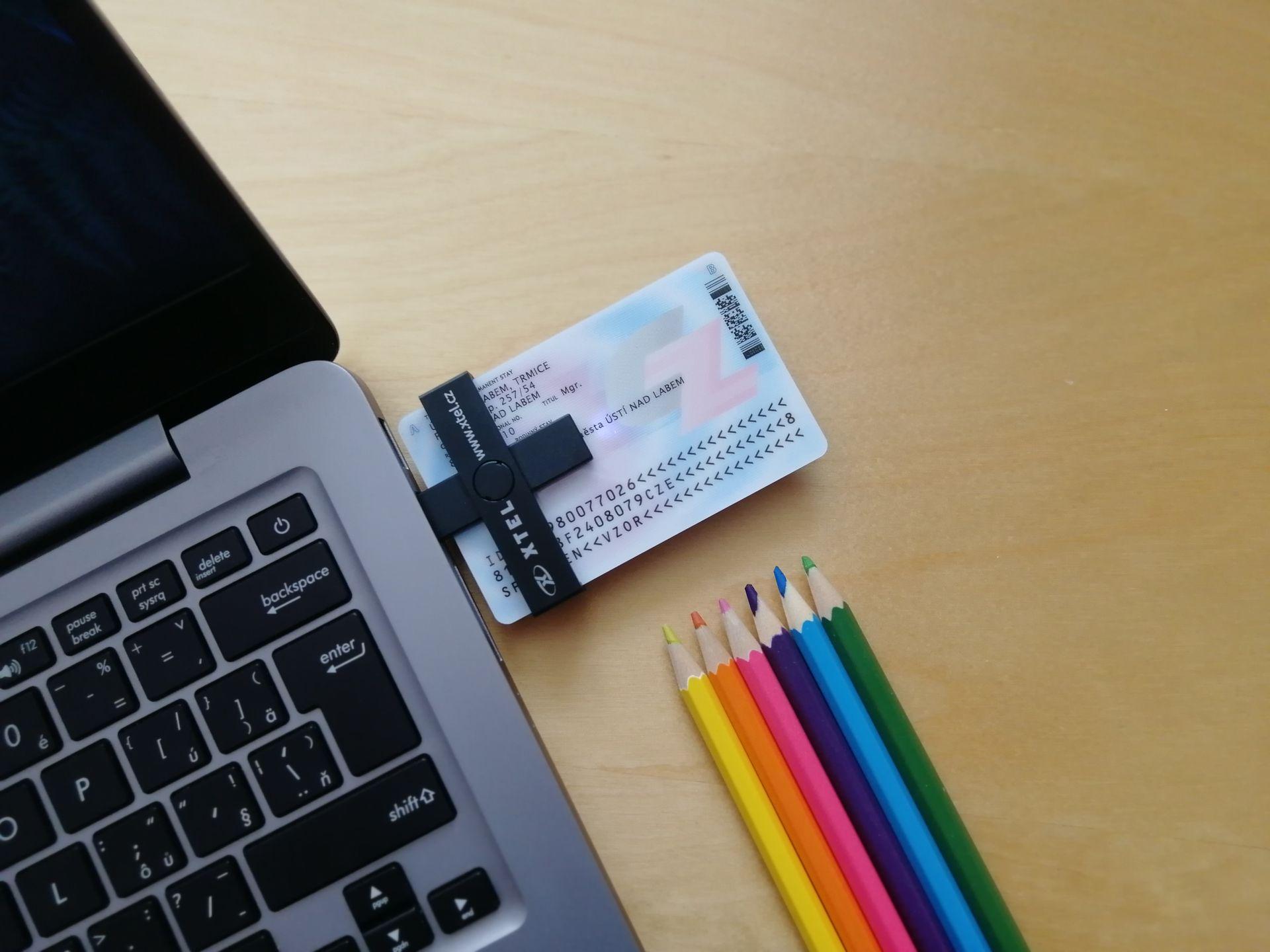 Čtečka pro eObčanku a ID karty - XTEL